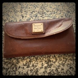 Dooney & Bourne Leather Slim Wallet